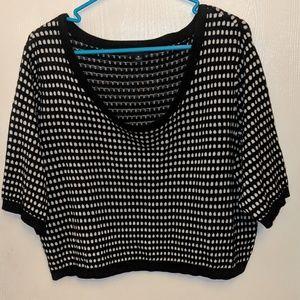 Torrid Size 3 Cropped Shirt